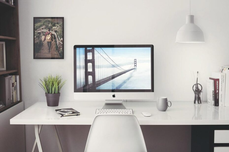 iMac in Home Office Mockup