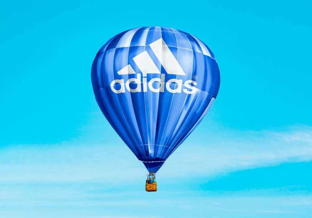 Hot-Air-Baloon-Logo-Mockup