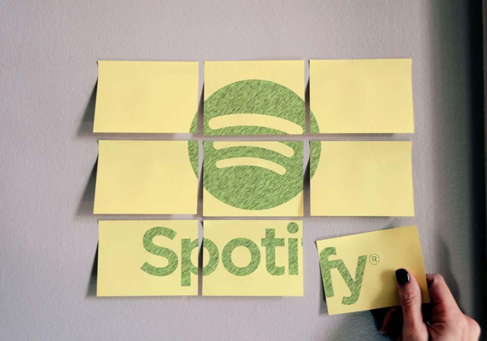 Sticky-Notes-Logo-Mockup